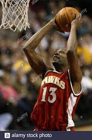 Glenn Robinson (#13) of the Atlanta ...