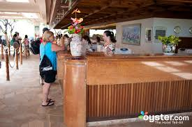 the front desk handles the crowds
