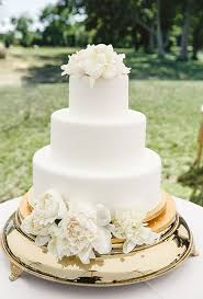 white wedding cake with flowers a wedding cake blog