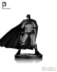 Dc Designer Series Batman Limited Edition Statue Frank Miller Pin En Batman Black And White Statue Series