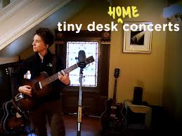 Hear wilco, adele, passion pit, tinariwen, miguel, the xx and many more. Ani Difranco Tiny Desk Home Concert 90 7 Wmfe