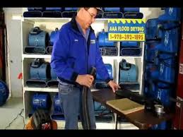 how to remove water from wet carpet