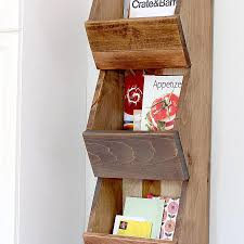 picture of a wooden shelf with ail