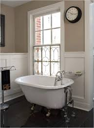 small straight rimmed clawfoot tub 28 clawfoot tubs that will transform your bathroom