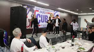 Ragazzi di Salsacrew Ballano Davanti Maykel Fonts sul Palco del Ristorante  di Made in Cuba 2020 - YouTube