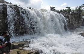 famous waterfalls near hyderabad