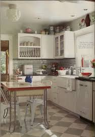 1920's bungalow kitchen ~ cool, so my floor cabinet ideas are right on for  the