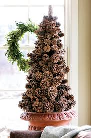 Pine Cone Christmas Decorations 60 Best Christmas Tree Decorating Ideas How To Decorate A