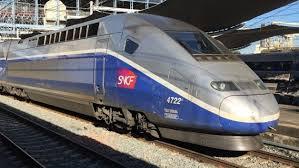 L'Insee a décidé de requalifier la dette de SNCF Réseau en dette publique. En 2017, l'endettement français a donc atteint 98,5 % du PIB.