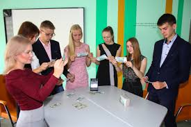 Среднее профессиональное образование Финансы Наши мероприятия  Большим подспорьем является тесное сотрудничество Института экономики управления и сервиса с работодателями На сегодняшний день наш институт имеет более