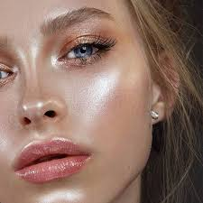 cool makeup is a trend that we would like to follow in the next few years if you are young in appearance they are loved because they celebrate healthy