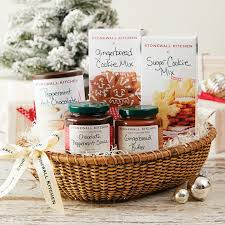 9 gourmet gift baskets for the food