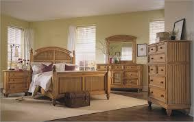 Traditional Bedroom Design With Broyhill Oak Bedroom Furniture Set, White  Wooden Venetian Blinds, White
