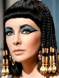 are you crazy about eye makeup bored with routine makeup want to try something diffe here s an egyptian queen eye makeup tutorial for you to try out