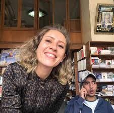 وفاة طليقة أحمد السعدنى بأزمة قلبية مفاجئة وتشييع جثمانها اليوم