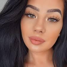 este maquillaje es muy sencillo no se ve tan extrabagante pero es sencillo pretty makeup