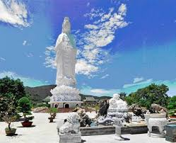 Image result for chùa linh ứng