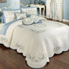 Best 25+ Quilted bedspreads ideas on Pinterest | Bedspreads, Gray ... & Vintage Charm Embroidered Quilted Bedspread Bedding Adamdwight.com