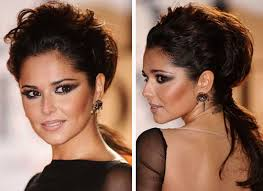 check out cheryl cole s dramatic eye makeup and bouffant ponyl at the 2016 brit awards popsugar beauty australia