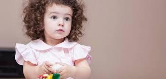 طرق فرد الشعر المجعد للأطفال موضوع