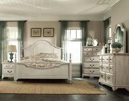 Windsor Lane Queen 4-Piece Queen Bedroom Set - White |