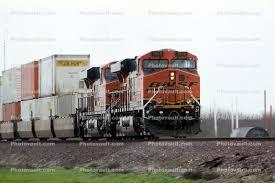 Jb Hunt Intermodal Bnsf 7550 Ge Es44dc Piggyback Train Jb Hunt Intermodal