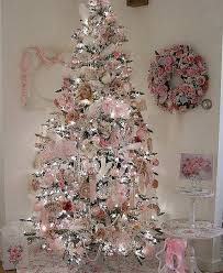 But if you're one of those classical people who love Victorian theme, this Christmas  tree decorating idea is for you. Decorated with pink laces, old, ...