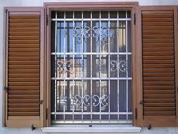 Cancelletti Ad Angolo Per Bambini : Inferriate per finestre caratteristiche delle