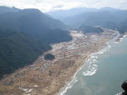 tsunami  tsunami aftermath in aceh 2004