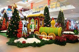 Setia City Mall remains true to the traditional Christmas decorations,  offering children and adults excitement