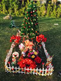 Cemetery Christmas Tree With Lights Christmas Decorations Cemetery Decorations Grave