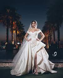 الممثلة الشابة هاجر أحمد تحتفل بزفافها بحضور تامر حسني.. فيديو وصور - مجلة  هي