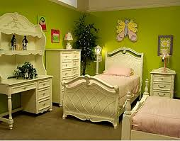 Yellow And Green Bedroom Ideas ideas for modern spring decoration