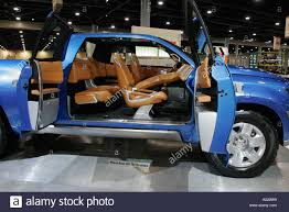 V8 Hybrid Pickup Truck Stock Photos & V8 Hybrid Pickup Truck Stock ...