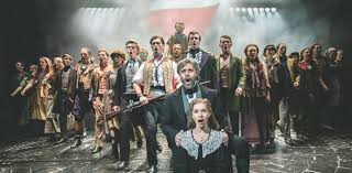 les miserables at breaking hearts and records
