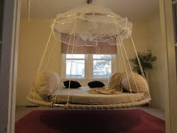Round, hanging, daybed-Floating Bed.