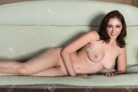 Brunette nude pic