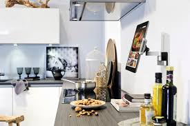 White High Gloss Kitchen Cabinets Contemporary Kitchen Design White High Gloss Backspalsh Smart