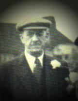 1 William Thomas JACKMAN Photo - b: 25 Jun 1882 in Pyrford, Surrey, England - william%2520t%2520jackman%25201943