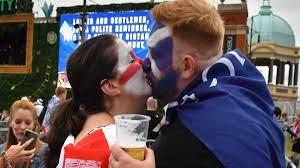 يورو 2020   صور مباراة إنجلترا وأسكتلندا...ديربي بريطانيا أبيض والقمامة  تملأ شوارع لندن - ميركاتو داي