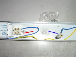 how to wire up a simple fluorescent light easy diy tips wiring fluorescent lights Wiring Fluorescent Lights Wiring Fluorescent Lights #5