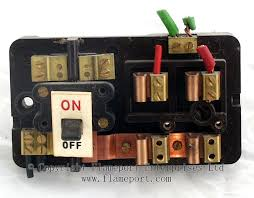 wylex standard brown plastic fuseboxes mcb replacement for wired fuse at How To Change A Fuse In A Wylex Fuse Box