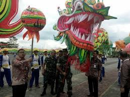 Nagaraja 2019 layangan janggan terbesar proses/pembuatan gigi layangan naga by agus lee. Bangga Kepada Tni Etnis Tionghoa Apresiasi Melalui Perayaan Imlek Tni Angkatan Darat