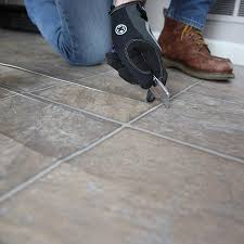 cutting vinyl flooring into pieces
