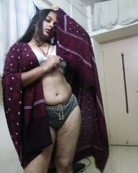 hot desi bhabhi with big boobs and shaved pussy naked pics.