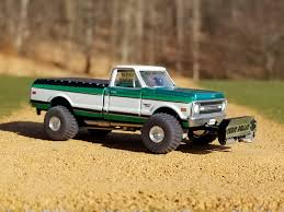 1 64th scale pulling truck