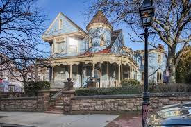 Chart House Inn Newport Reviews Newport Ri Renovation And Redecoration Sale The Blue