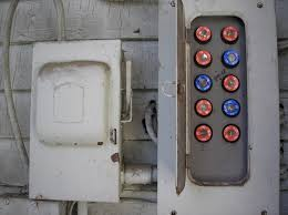 how to change a fuse in a traditional fuse box quora Ceramic Fuse Box at least, that's my memory of the fuse box from my childhood home that memory is supported by this image, found by a google search ceramic fuse blown