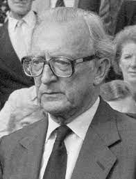 Peter Carington, 6th Baron Carrington - Wikipedia