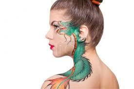 Fotografie žena S Dračí Tetování Na Rameno 70615225 Fotobanka